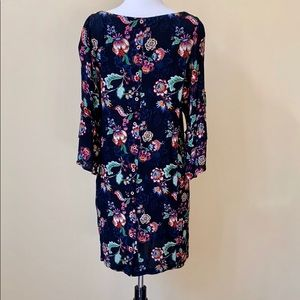 Democracy Dresses - Democracy Bell Sleeve Floral Pattern Shift Dress